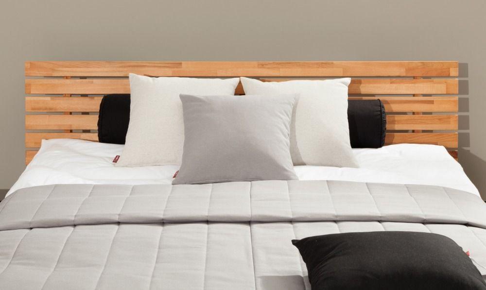 sivy prehoz na postel